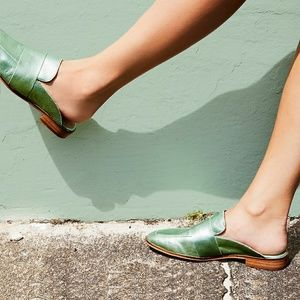 New free people metallic green loafer size 8